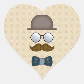 Sombrero de copa, bigote, vidrios y pajarita calcomanía de corazón
