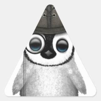 sombrero de copa del pingüino del bebé pegatina triangular