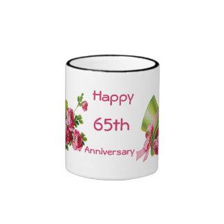 Sombrero de copa y rosas verdes, 65.o aniversario  taza a dos colores