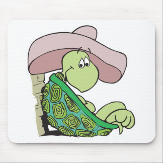 sombrero que lleva de la tortuga linda alfombrillas de ratones