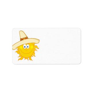 sombrero que lleva sonriente del sol etiqueta de dirección
