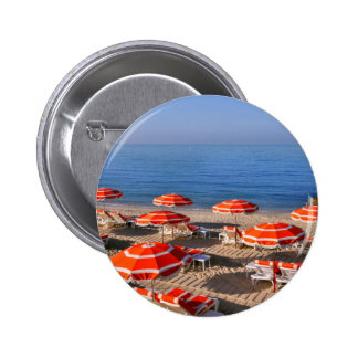 Sombrillas en la playa en Francia Pins