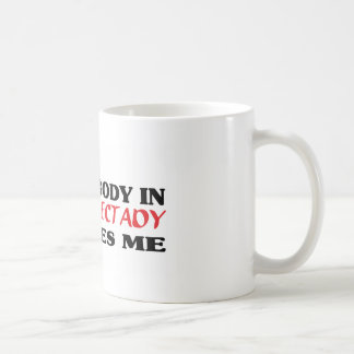 Somebody in Schenectady loves me t shirt Mugs