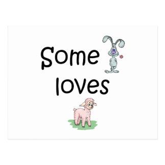 Somebunny ama la oveja (las imágenes) postal