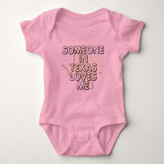 Someone in Texas loves me Baby Bodysuit