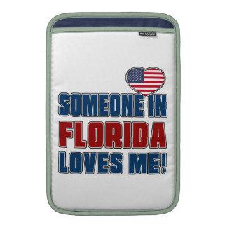 SOMEONE LOVES ME IN FLORIDA MacBook AIR SLEEVE