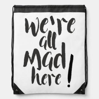 Somos todos aquí - negro enojado mochilas