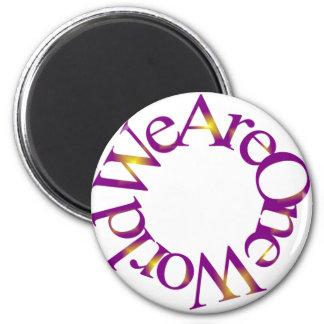 Somos un mundo (púrpura) imán redondo 5 cm