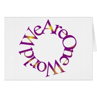 Somos un mundo (púrpura) tarjeta de felicitación