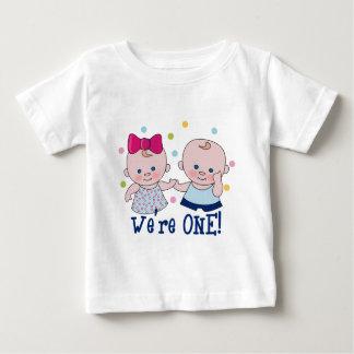 Somos una camiseta del cumpleaños del muchacho y remera