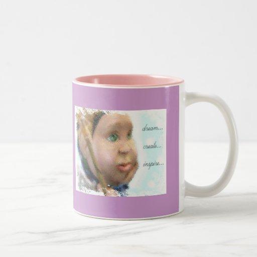 Soñe, cree, inspire la taza de café