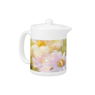 Song of Spring Lovely Pale Pink Daisies Asters Teapot