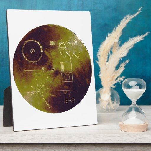 Sonidos del disco de oro del viajero 1 y 2 de la placa de madera