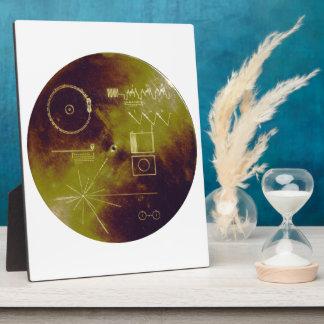 Sonidos del disco de oro del viajero 1 y 2 de la t placa de madera