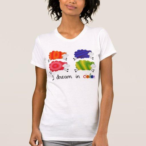Soño en la camisa de Sheepy del color