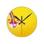 Sonrisa abstracta del arco iris reloj