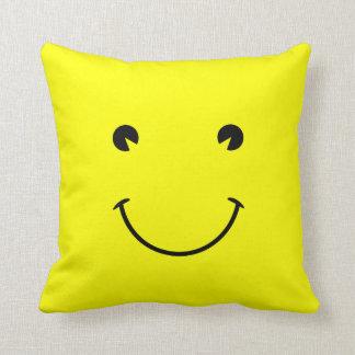 Sonrisa amarilla cojines