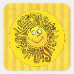 Sonrisa amarilla feliz de Sun Pegatina Cuadrada