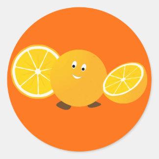 Sonrisa anaranjada entera con los naranjas pegatina redonda