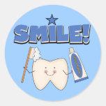 SONRISA - camisetas y regalos del diente Etiqueta Redonda