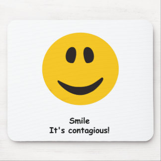 Sonrisa contagiosa alfombrilla de raton