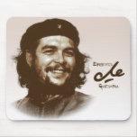 Sonrisa de Ernesto Che Guevara Tapete De Ratón