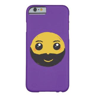 Sonrisa de Kawaii con la barba Funda De iPhone 6 Barely There