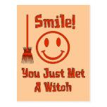 Sonrisa de la bruja tarjeta postal