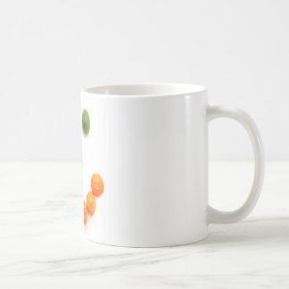 sonrisa de la fruta cítrica tazas de café
