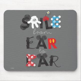 Sonrisa de Mickey Mouse el | del oído al oído Alfombrillas De Raton