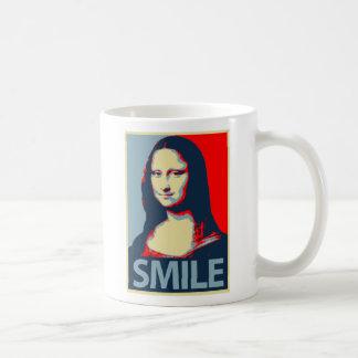 Sonrisa de Mona Lisa Taza Básica Blanca
