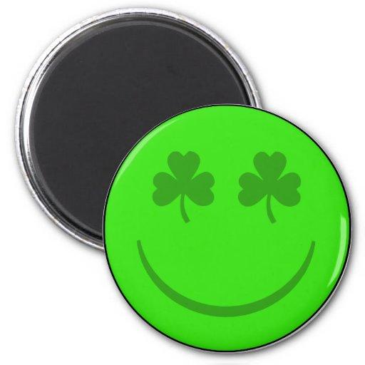 Sonrisa del irlandés imán