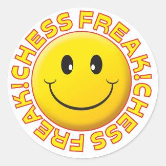 Sonrisa del monstruo del ajedrez pegatina redonda