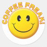 Sonrisa del monstruo del café pegatinas redondas