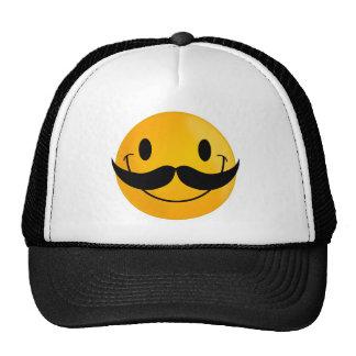 sonrisa feliz sonriente del bigote gorro
