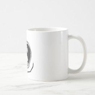Sonrisa grande-dentada alegre tazas de café