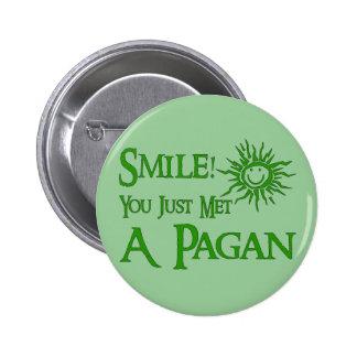 Sonrisa pagana pin redondo de 2 pulgadas