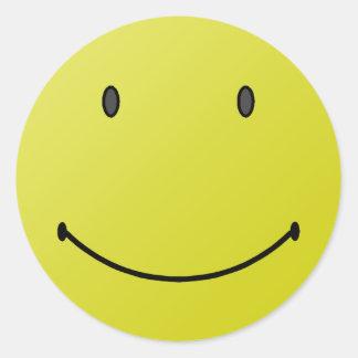 Sonrisa porque dios le ama pegatina redonda