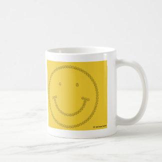Sonrisa que frunce el ceño taza básica blanca