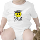 Sonrisa que usted ha graduado traje de bebé