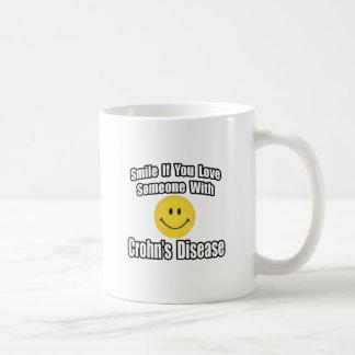 Sonrisa si usted ama alguien con la enfermedad de tazas de café