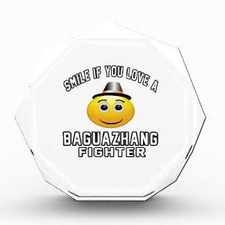 Sonrisa si usted ama el combatiente de Baguazhang