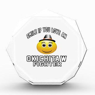 Sonrisa si usted ama el combatiente de Okichitaw