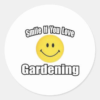 Sonrisa si usted ama el cultivar un huerto pegatina redonda