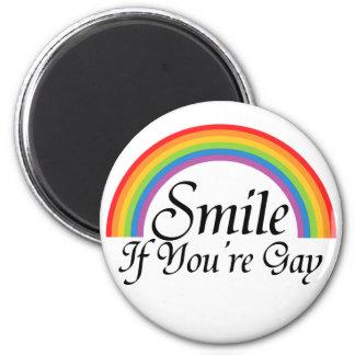 Sonrisa si usted es gay imán redondo 5 cm