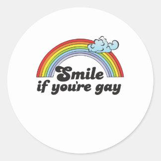 Sonrisa si usted es gay pegatina redonda