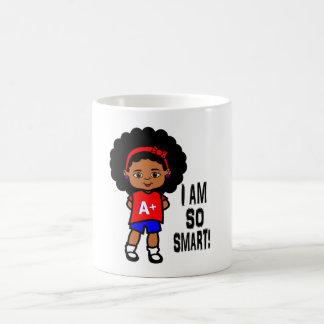Sonrisa taza afroamericana elegante y linda del