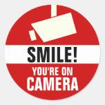 ¡Sonrisa! Usted está en los pegatinas de la cámara Pegatina Redonda