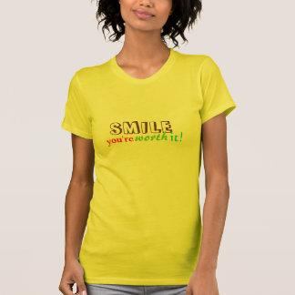 sonrisa usted la vale:) tshirts