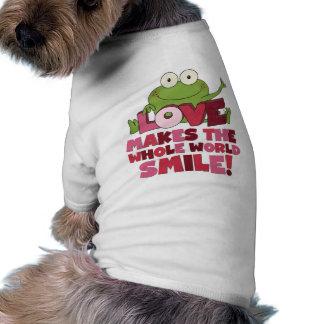 Sonrisas del amor de la rana ropa de mascota